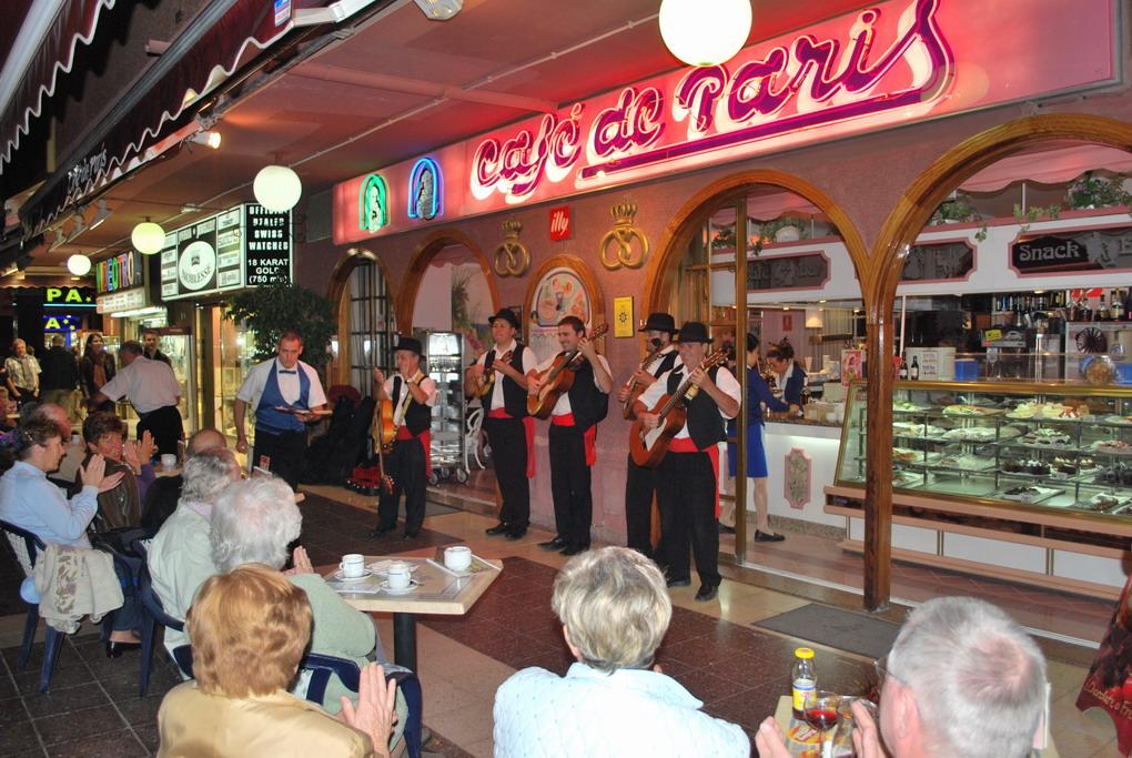 Yumbo Playa Del Ingles Cafe De Paris
